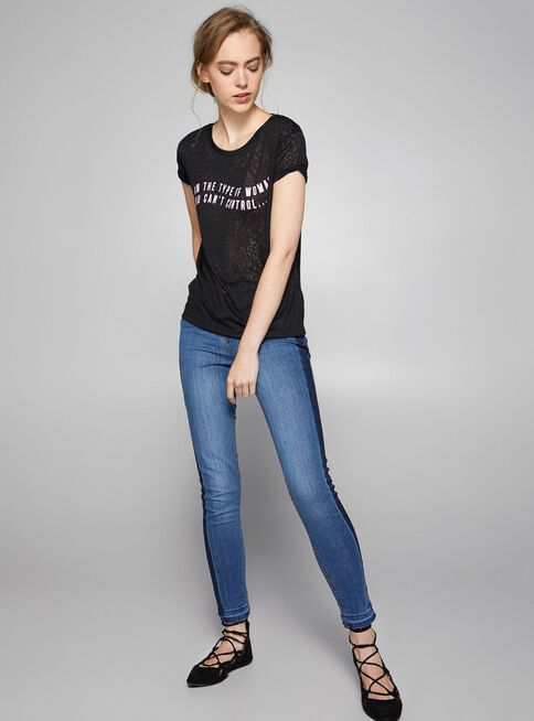 Jeans%20Skinny%20Fit%20Focalizado%20Foster%2CAzul%20El%C3%A9ctrico%2Chi-res