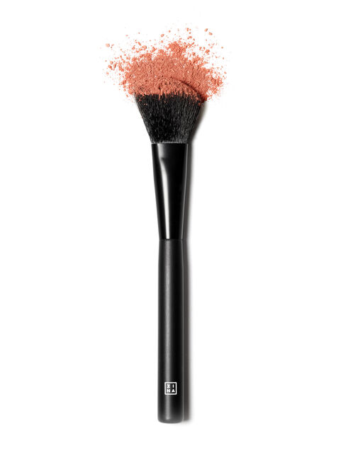 Brocha%20The%20Blush%20Brush%20203%203INA%2C%2Chi-res