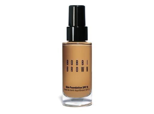 Base%20Maquillaje%20Skin%20Foundation%20Warm%20Honey%20SPF15%20Bobbi%20Brown%2C%2Chi-res