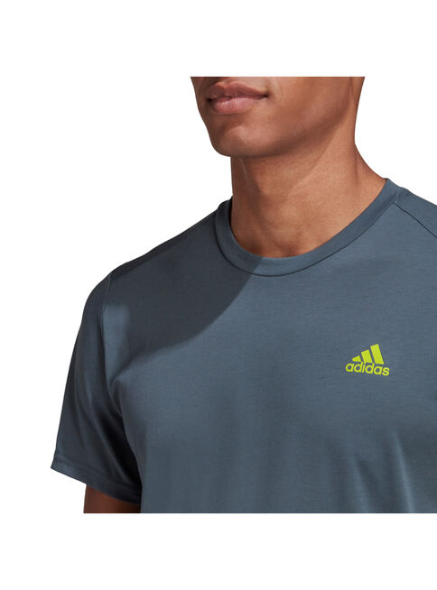 Polera%20Adidas%20Running%20Confgfx%20Tee%202%20Hombre%2CDise%C3%B1o%201%2Chi-res