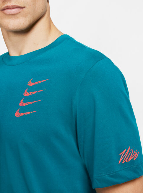 Polera%20Nike%20Graphic%20Training%20T-Shirt%20Hombre%2CVerde%2Chi-res