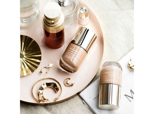 Base%20de%20Maquillaje%20Everlasting%20Youth%20Fluid%20112%20Amber%20Clarins%20%2C%2Chi-res