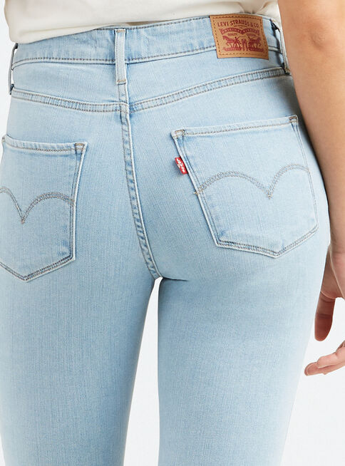 Jeans%20de%20Tiro%20Alto%20Levi's%2CCeleste%2Chi-res