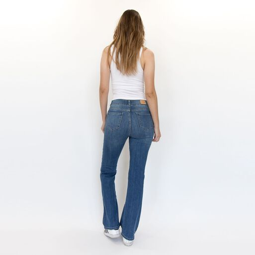 JEANS%20BOOTCUT%20DENISE%20RACAVENTURA%2Chi-res