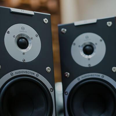 Amplificadores, cabezales, cajas y otros accesorios de amplificación