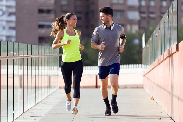 Zapatillas  y ropa de running para hombres y mujeres