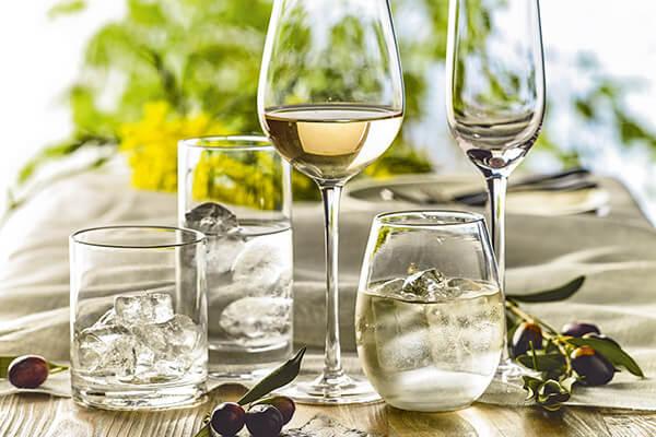 Loza, vajilla, vasos, copas de cristal y otros accesorios de menaje fino