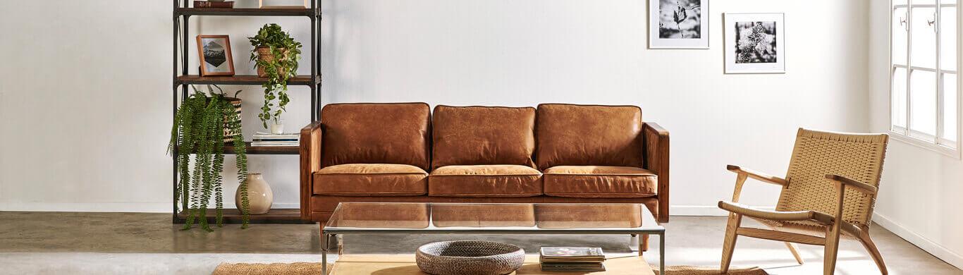 Sofás, sillones, mesas de centro y otros muebles para living