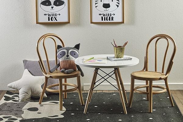 Camas, cómodas, sillas, escritorios y otros muebles infantiles