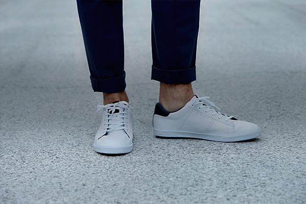 Zapatillas deportivas y urbanas para hombres de distintas marcas