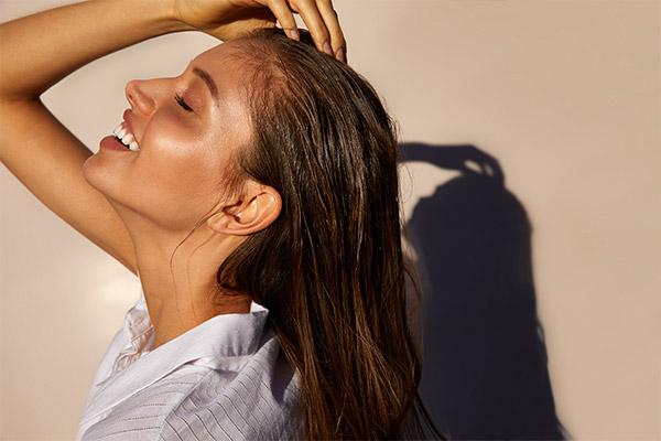 Shampoos, cremas, aceites y más productos para el cuidado del pelo