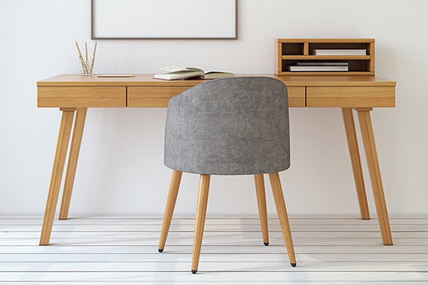 Libreros, estantes, escritorios, sillas y otros muebles de oficina