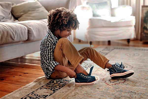 Sandalias, zapatillas, botines y más zapatos de niñas y niños