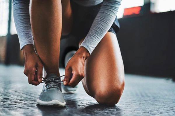 Zapatillas deportivas y urbanas para mujeres de distintas estilos y marcas