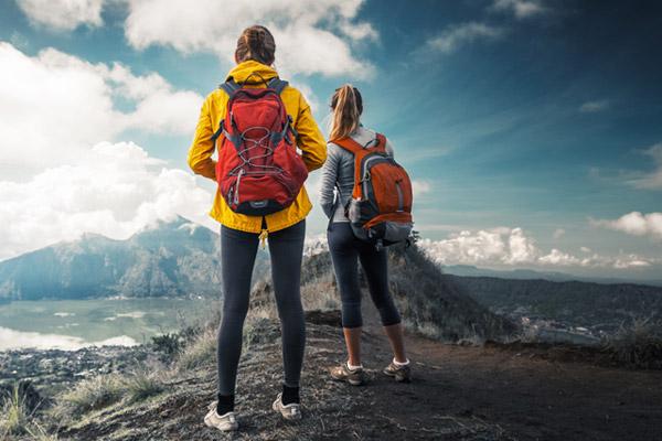 Ropa, zapatillas y accesorios para deportes trekking